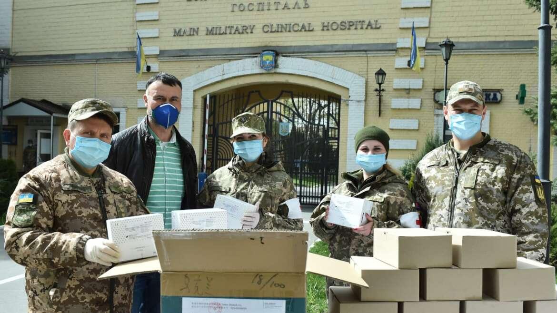 «Час дій» передала лікарням Київської області експрес-тести